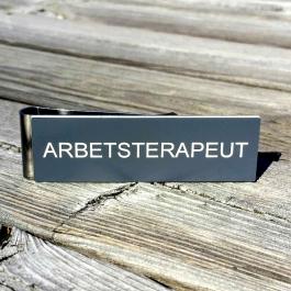 Namnskylt med militärklämma ARBETSTERAPEUT