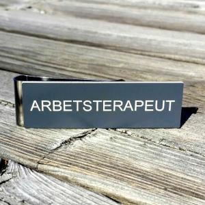 Namnskylt med militärklämma - ARBETSTERAPEUT- 2