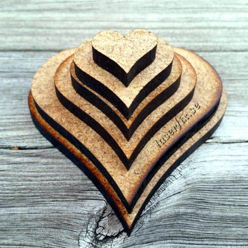 Laserskurna hjärtan i MDF